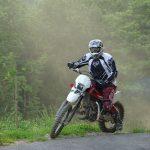 Jakie akcesoria przydadzą się motocykliście?