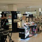 Dlaczego warto stosować ekspozytory na kosmetyki?