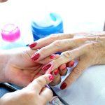 Niezbędne wyposażenie do salonu manicure