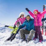 Wyjazd na narty – pomysł na aktywny wypoczynek dla całej rodziny