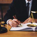 Kiedy możemy szukać pomocy u adwokata?