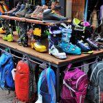 Zimowe wyprzedaże ubrań – co warto zakupić po niższej cenie