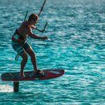 Jak rozpocząć przygodę ze sportami wodnymi?