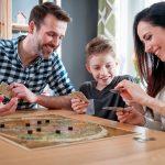 Jak zapewnić dziecku rozrywkę na deszczowe dni?