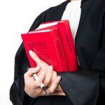 Dlaczego podczas rozprawy o przyznanie opieki rodzicielskiej warto posiadać adwokata?